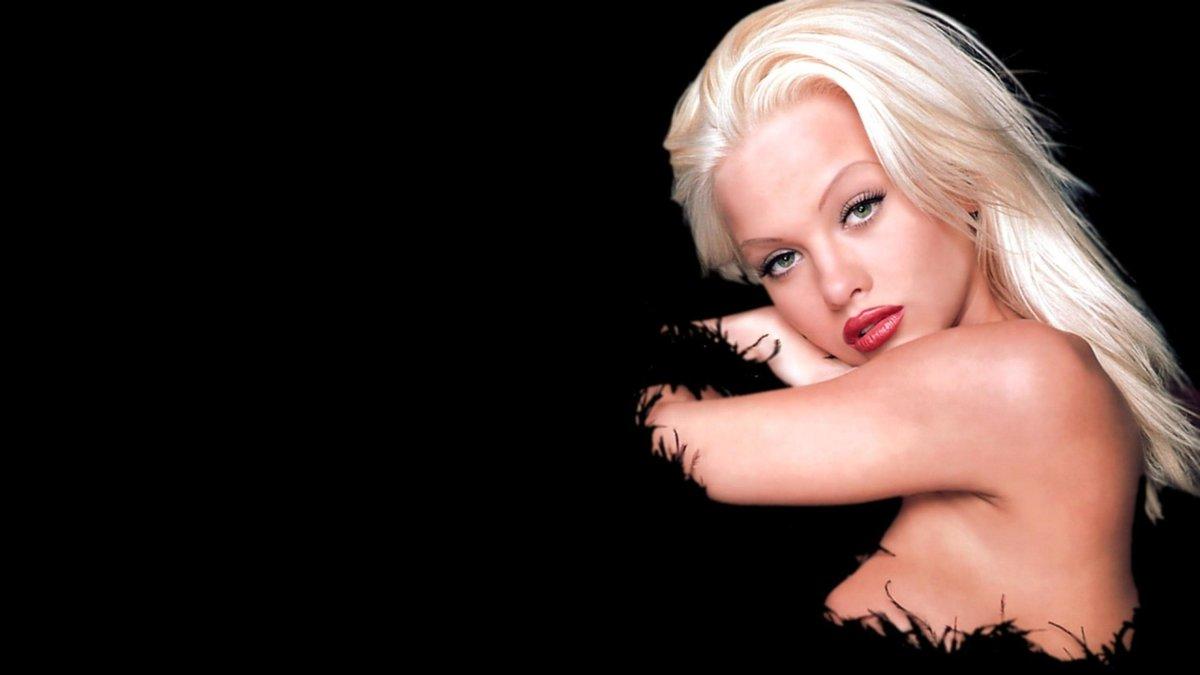Chloe Jones Nude Photos 34
