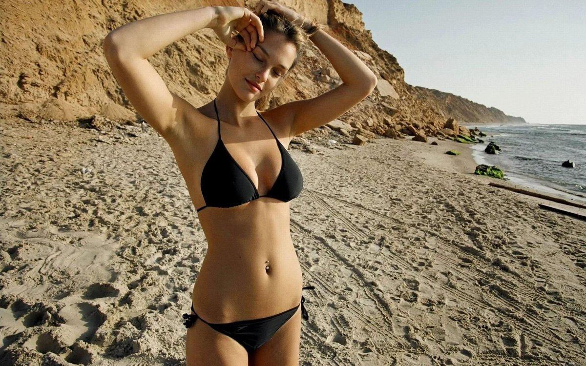 Pussy bikini girlies swingers hand