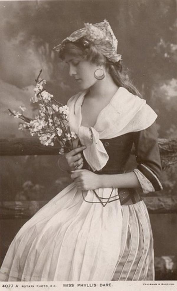 исторически желанные красавицы всех веков фото меня мимолётный