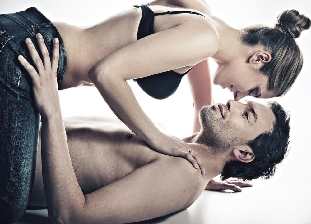 Ебут страпоном психология отношений эротические фото мужчины и женщины молодая красивая жопа