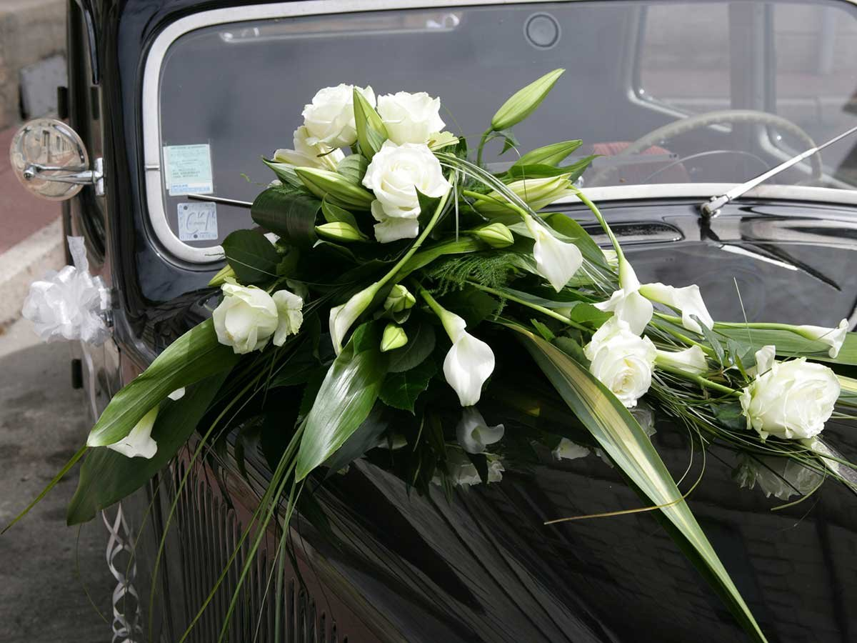 Букеты на машину свадебные