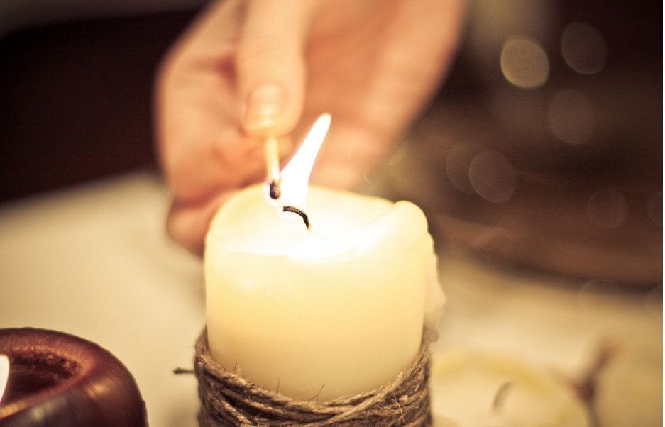 привороты на любовь' по свечей