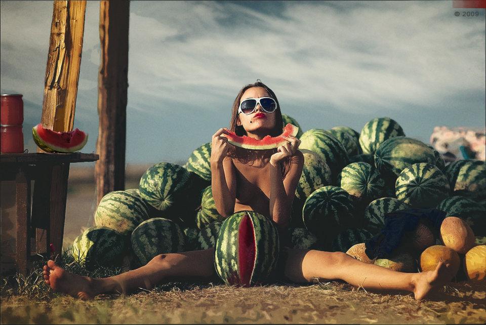 Nude girl watermelon — 4