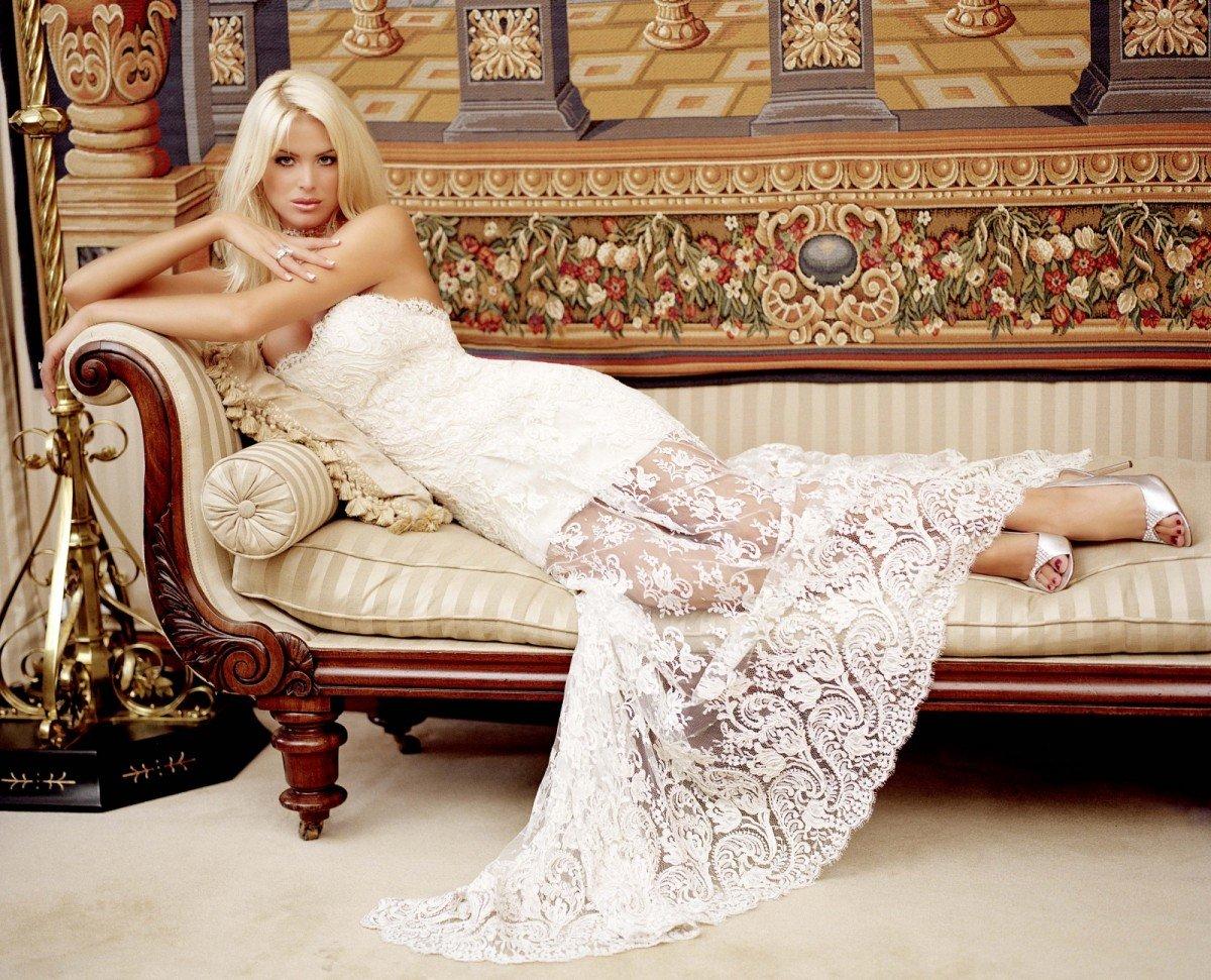 Женщины блондинки в платье фото, порно с венгерской актрисой бритни