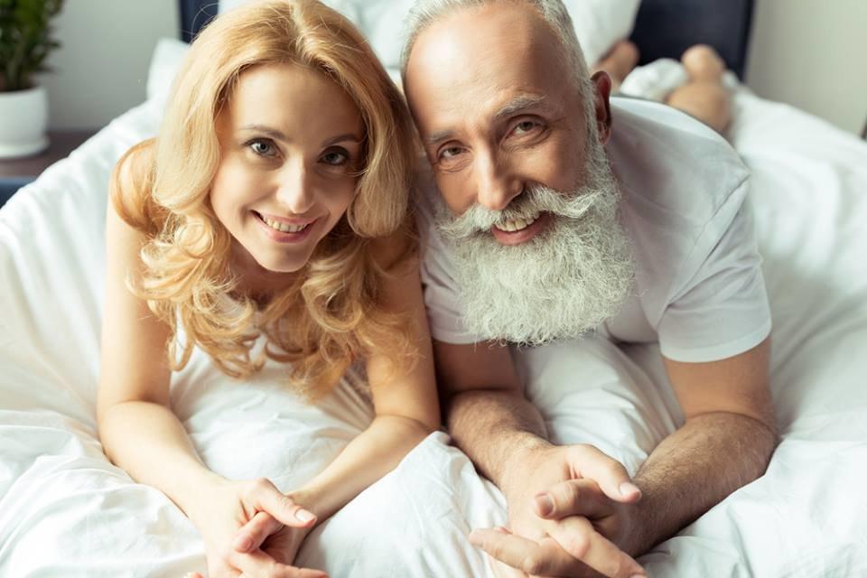 Качестве фото красивых девушек со стариками взрослые порно гламурная