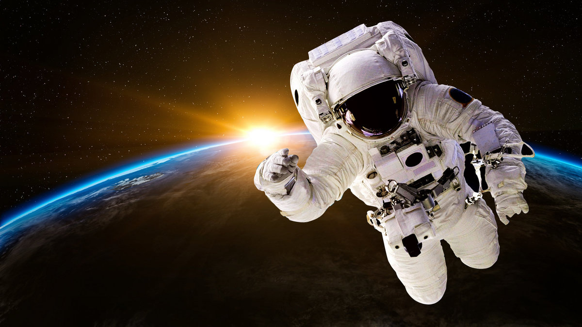 Домашнее видео как надрочить в космосе