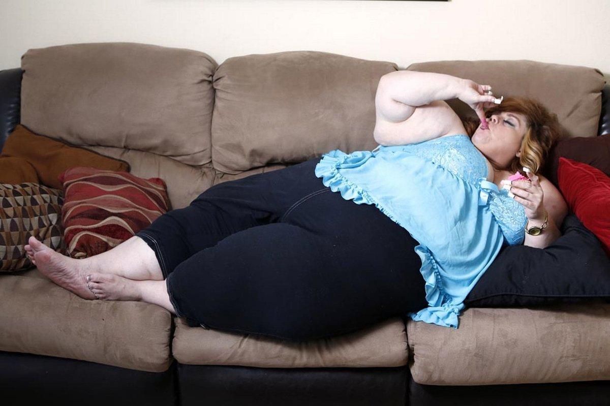 Толстые тетки в кровати