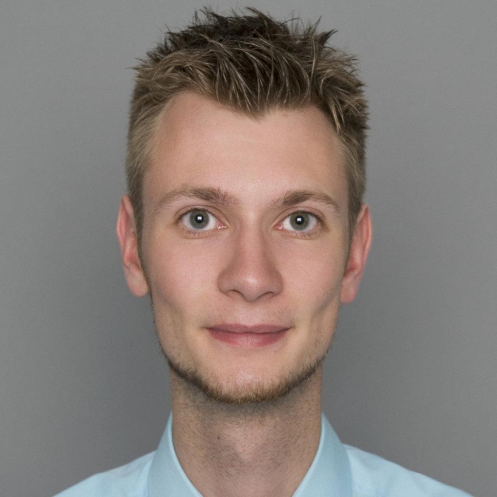 ... Tobias Batz   Küchenverkäufer   Küchen Arena / Möbel Rieger