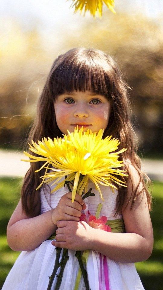 Картинки девочка с цветами, открытки