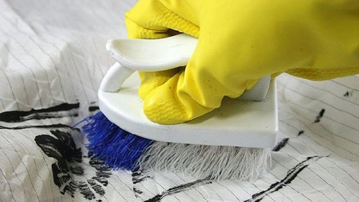 Отчистить пятно краски одежды фото