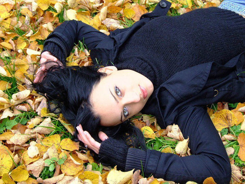 Брюнетка осенью фото, порно шаяна гнигст