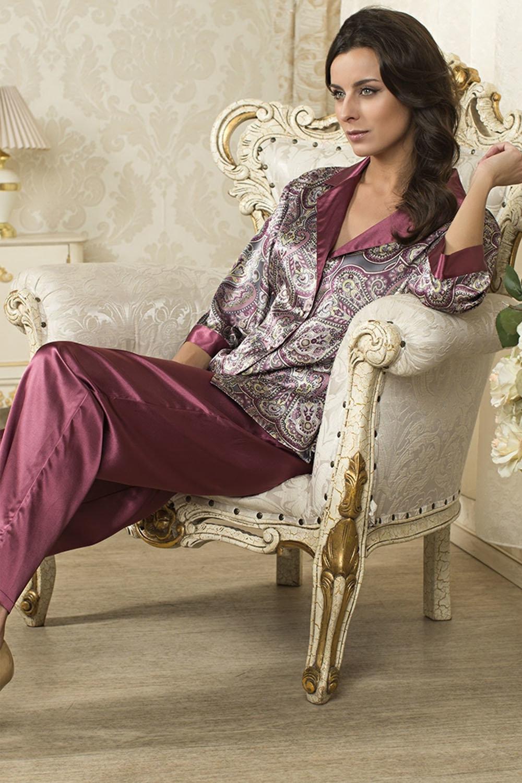 Картинки девушки в домашней одежде