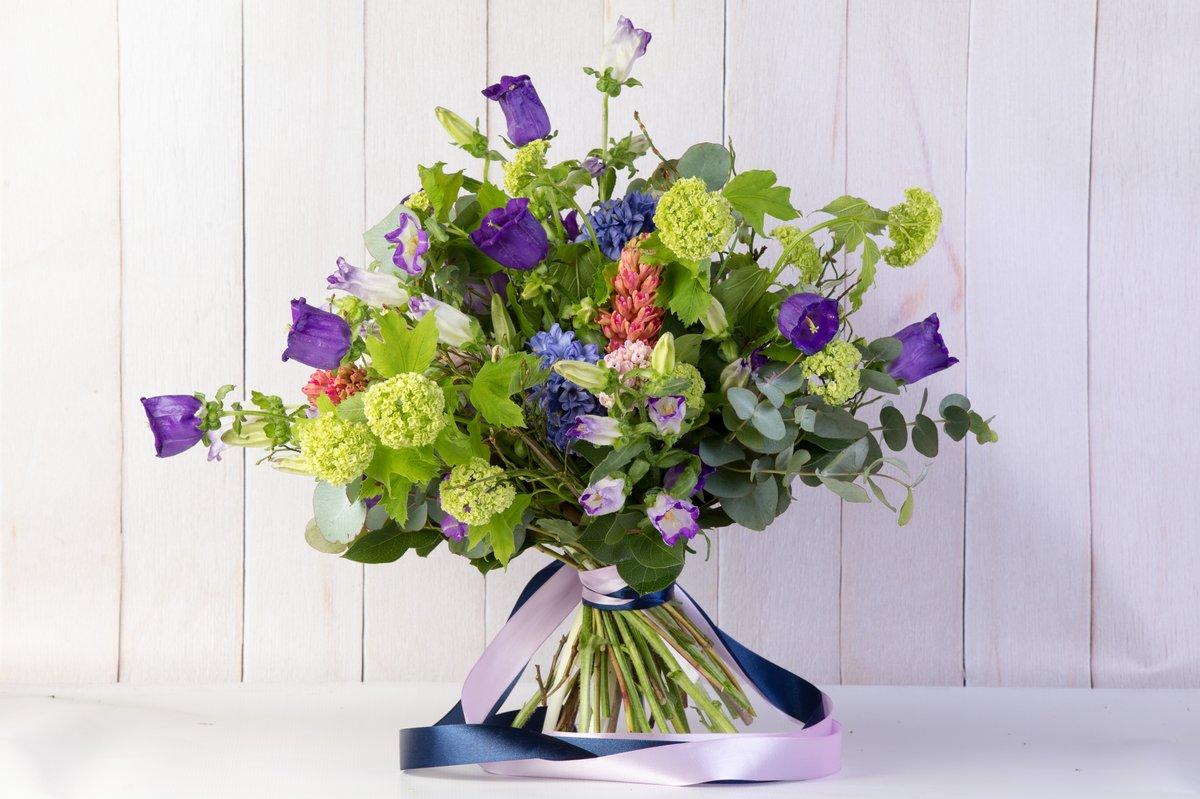 Колокольчики в букете, букетах цветов
