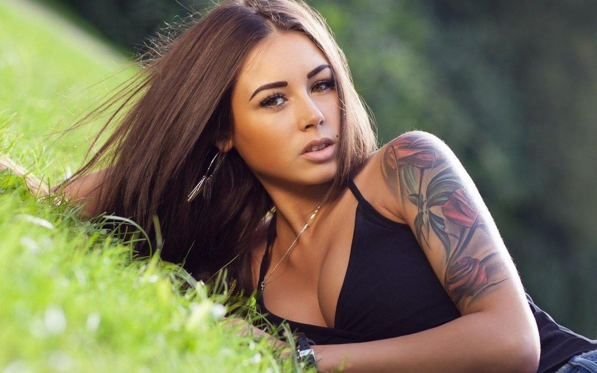 Русское фото девушек с татуировками
