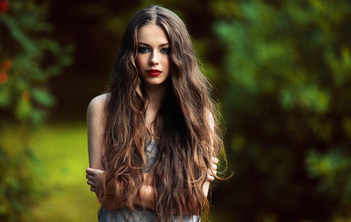 Картинка девушка с длинными волосами