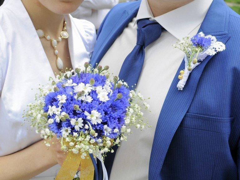 Шуй, букеты невесты ромашки васильками