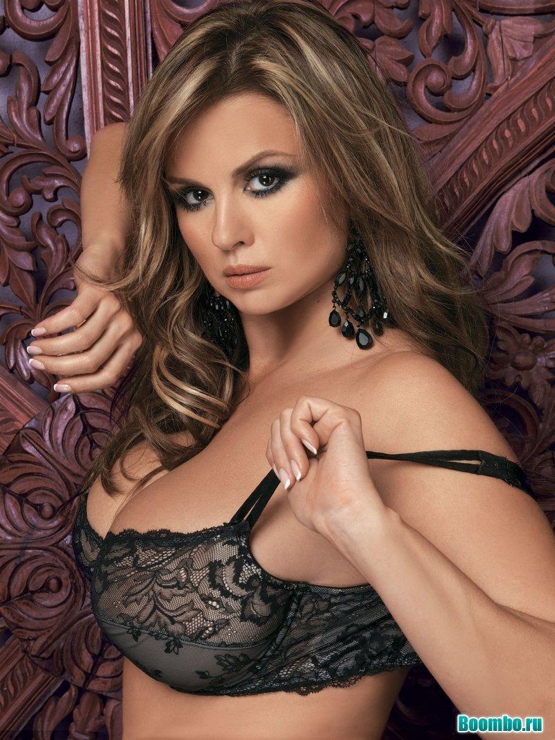 Молодое российское голые знаменитости русские актрисы и певицы домашний секс