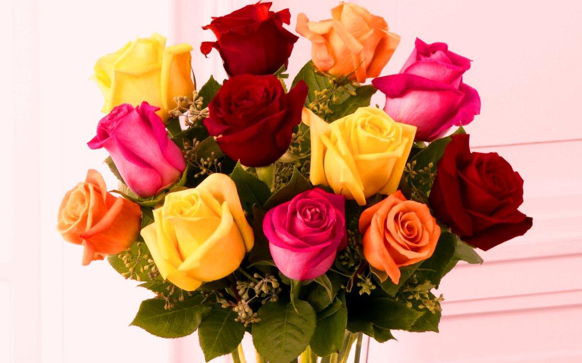 Фото букетов разноцветных роз