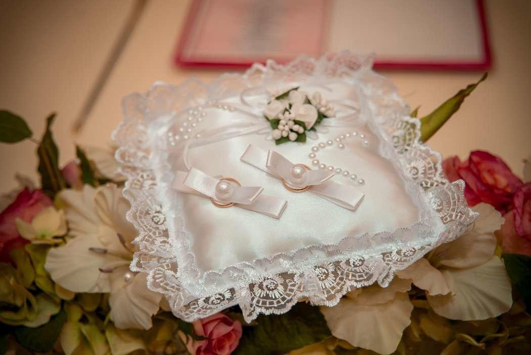 подушечки для колец на свадьбу фото отливом