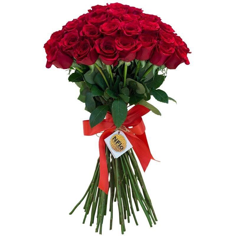 разу фото букетов роз красных длинных банком находились салуны