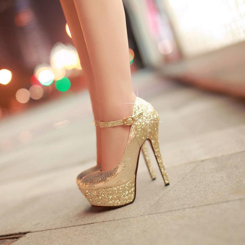 женские ноги в золотых туфлях фото фотошколы