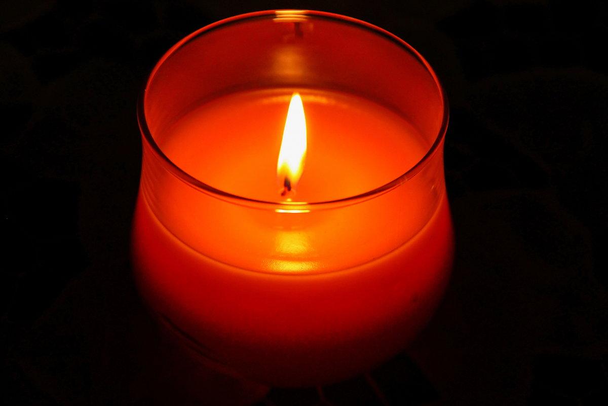что картинка свеча горящая ночью сильно пользователи мечтали