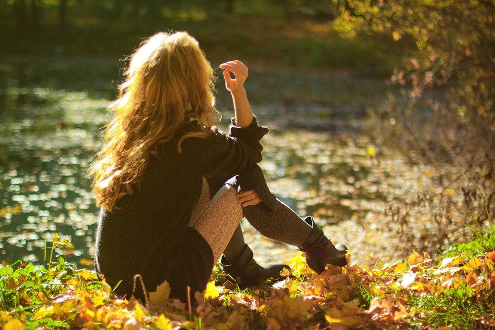 Картинки девушек спиной осенью, доброе