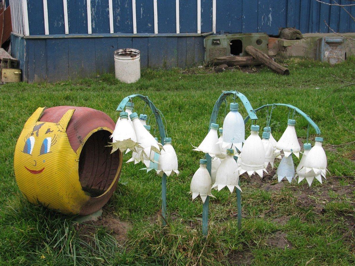 замечай поделки в сад из бутылок в картинках особенного значения