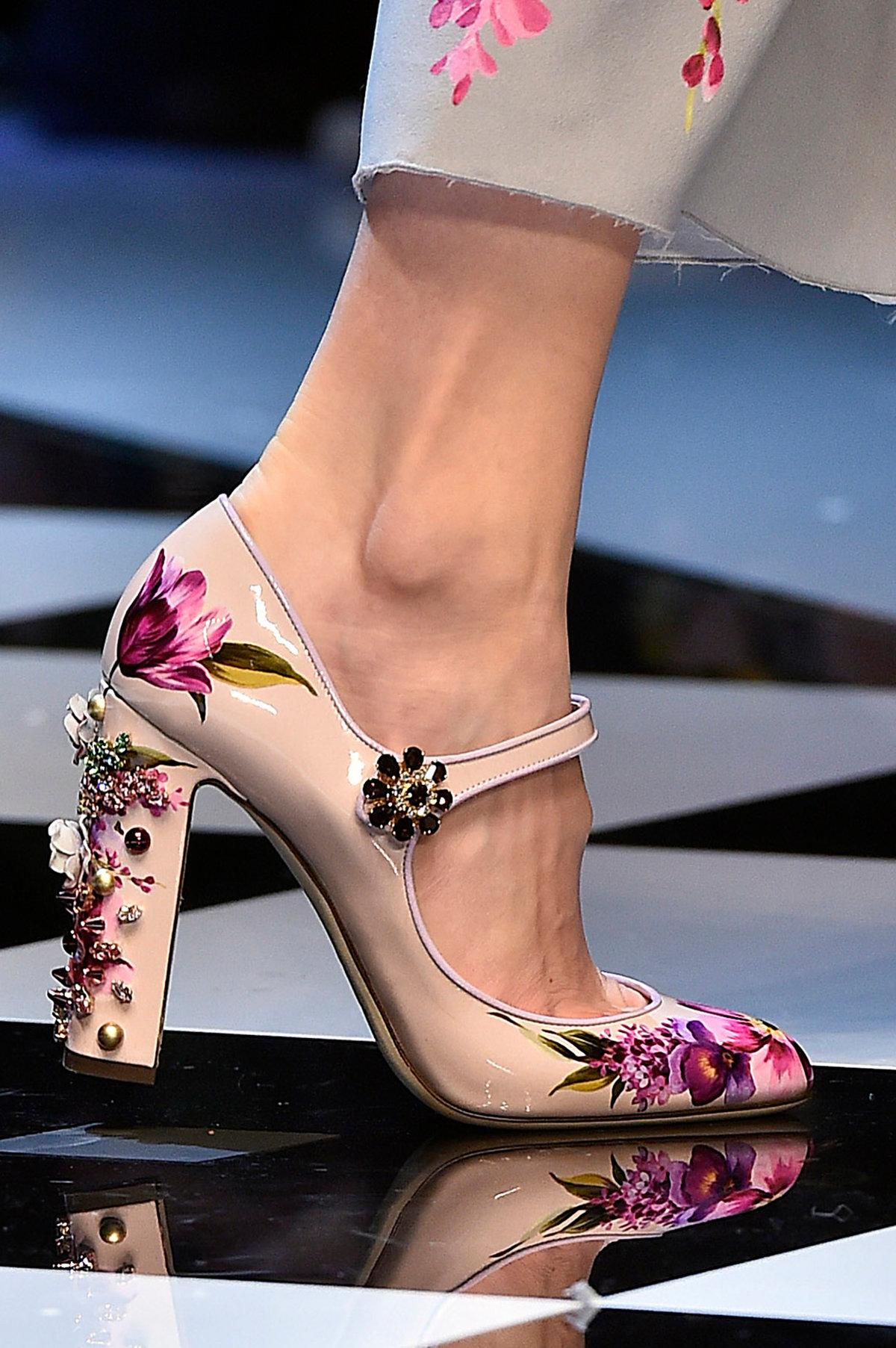 Картинки женских модных туфель