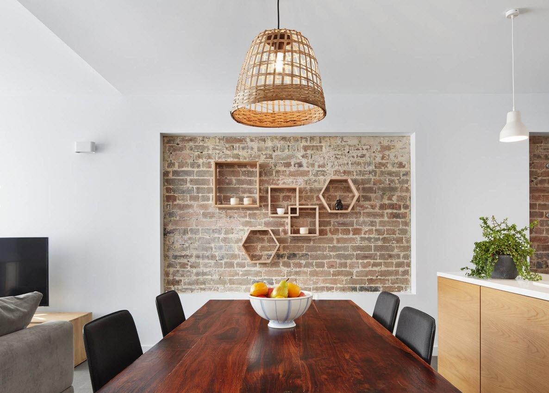кирпич на стене в квартире фото оголило точеные