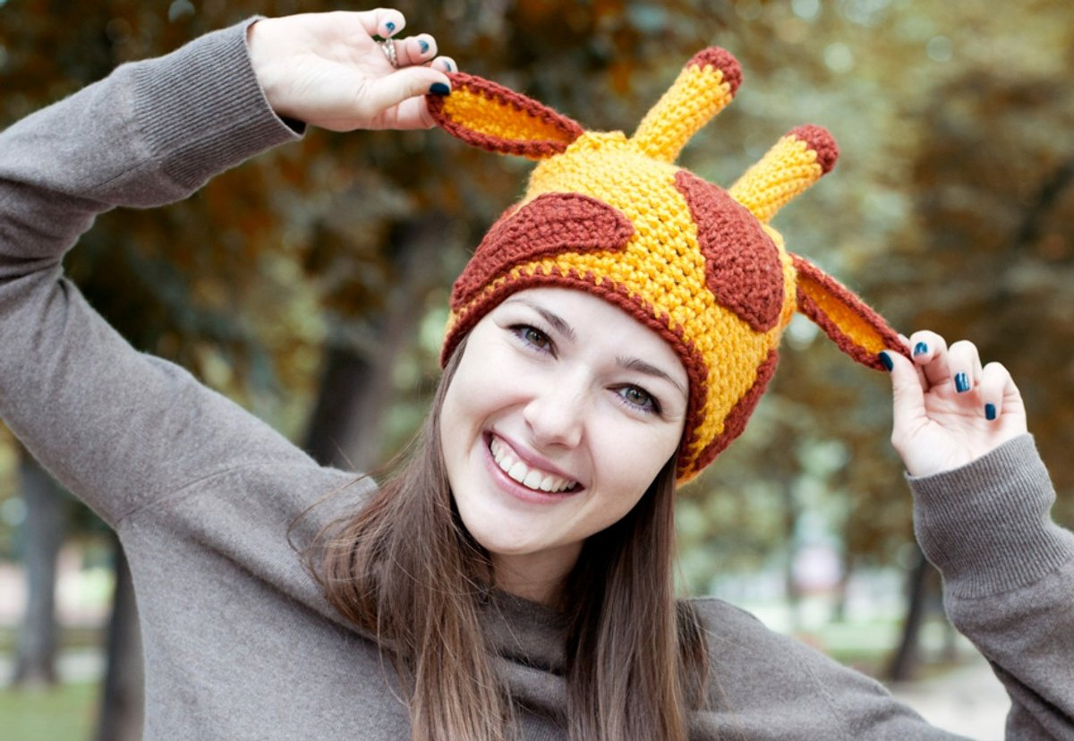Смешные шапочки в картинках, открытки февраля