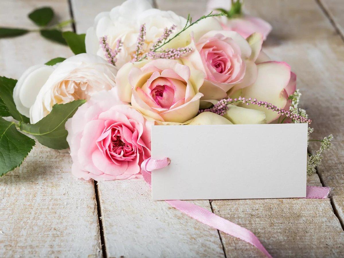 Красивые слова в открытку с цветами