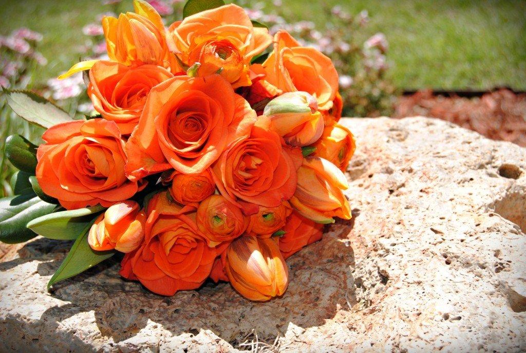 букеты оранжевых цветов куча