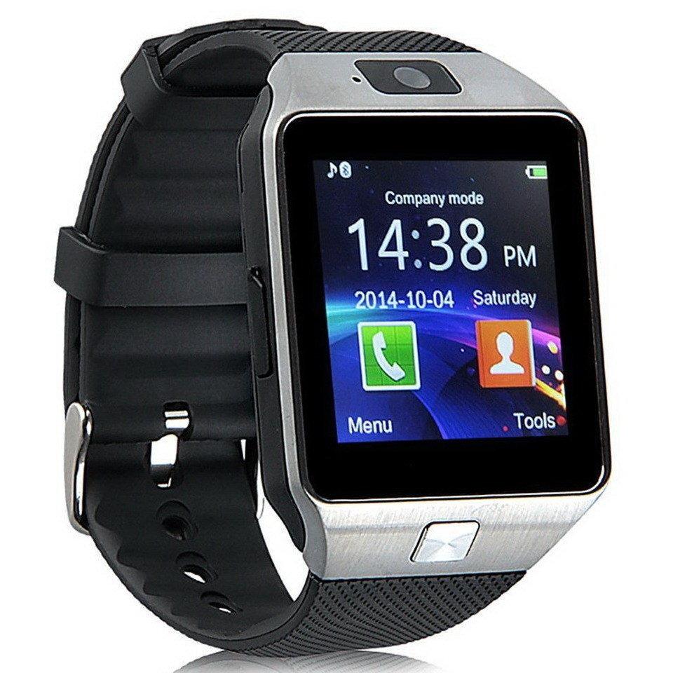Он отображает данные о: • сердечном ритме пользователя; • его физической активности; • текущем времени и дате; • уровне заряда аккумулятора; • подключении по bluetooth.