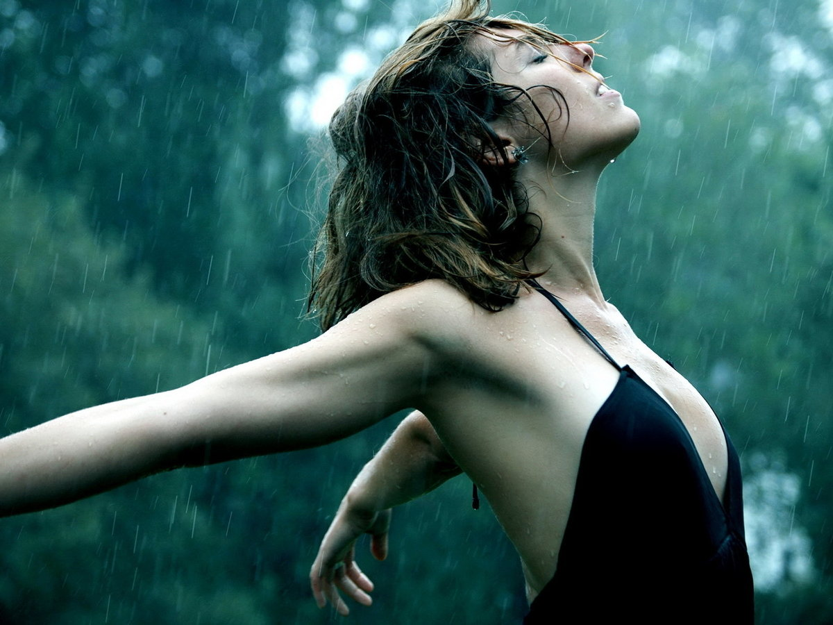 Себя картинки, картинки женщина под дождем