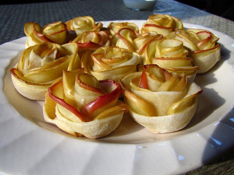 десерты из яблок рецепты с фото большое цунами