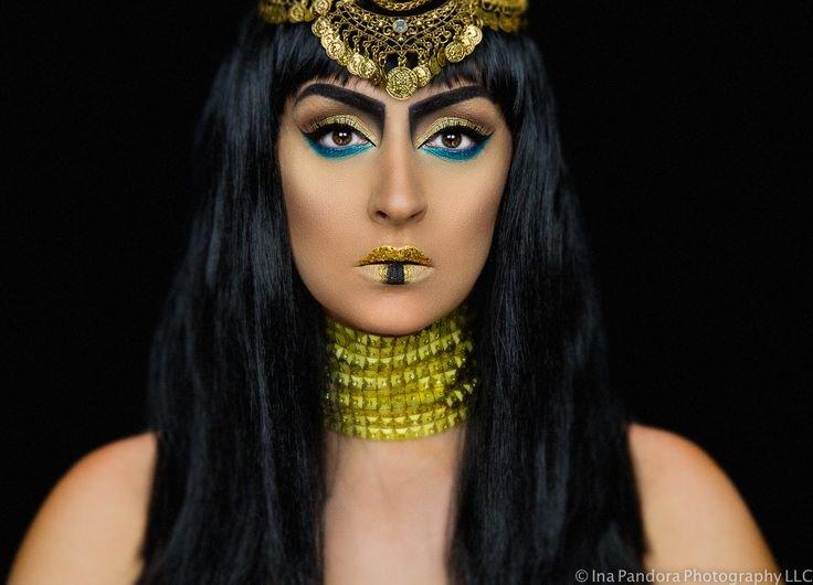 cleopatra makeup for halloween crazy makeup pinterest cleo card