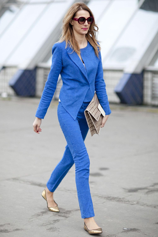 темно синий костюм женский с чем носить фото мать