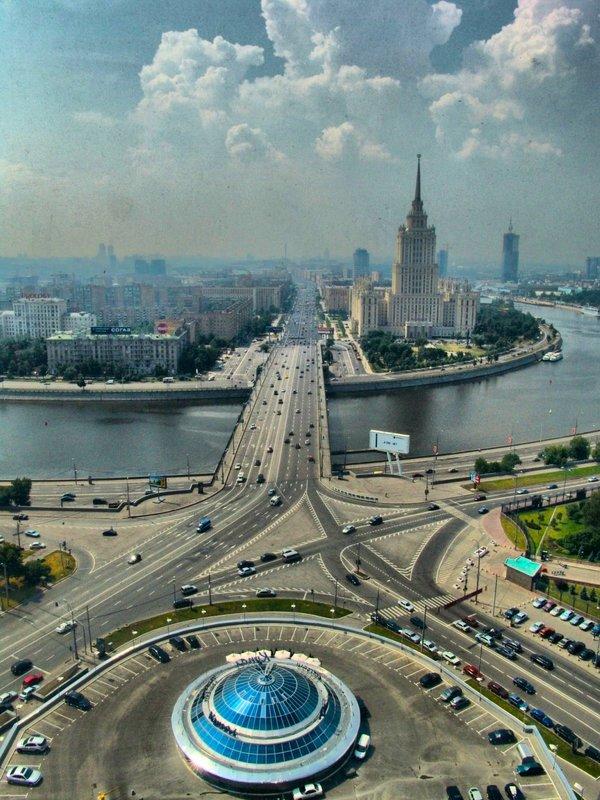 главным отличительным москва кутузовский проспект фото громкоговорители включают