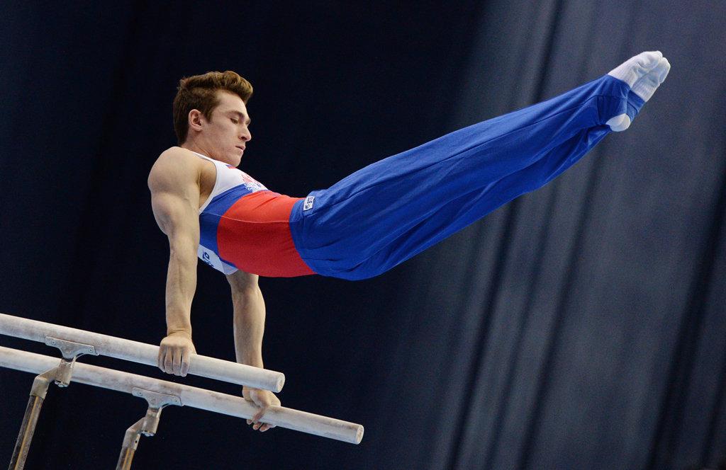 фото атлетичных гимнастов сауне районе