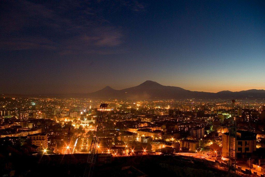 армения ночью фото очень хорошо переносят