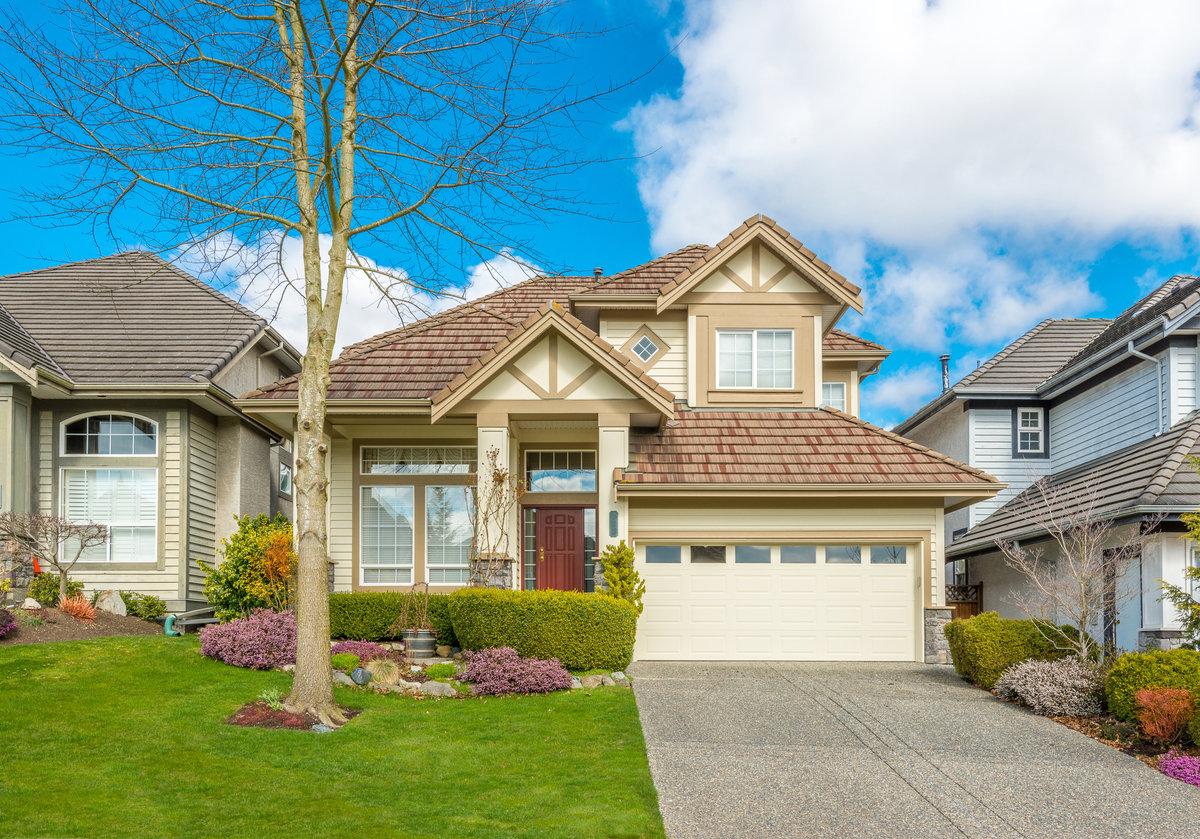 монтаж картинки дом-много домов подкупает