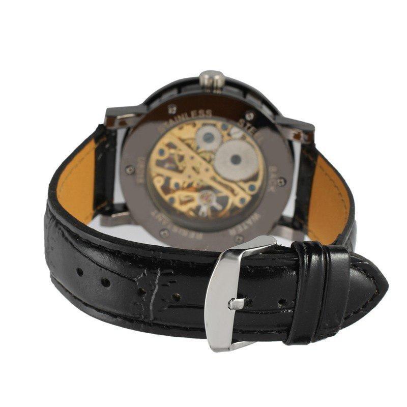 Вместе с этим товаром покупают: корпус часов изготовлен из специальной нержавеющей часовой стали, задняя крышка корпуса выполнена из прочного калёного стекла.