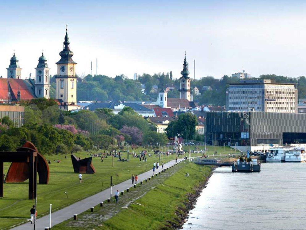 Линц расположен на широте Вены, но климат там более умеренный
