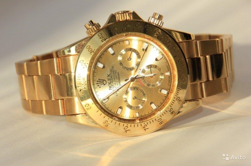 Платина розовое золото 18 карат белое золото 18 карат желтое золото 18 карат нержавеющая сталь нержавеющая сталь и желтое золото 18 карат.