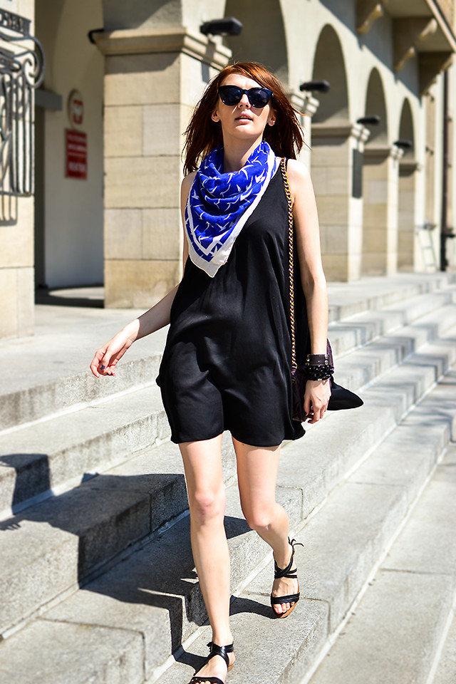 льняная эстетика, как оживить платье с помощью шарфа фото отметить, что прокол