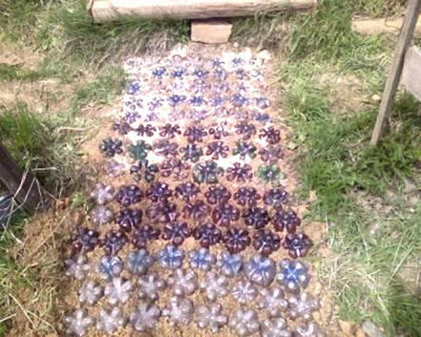 садовые дорожки из бутылок фото