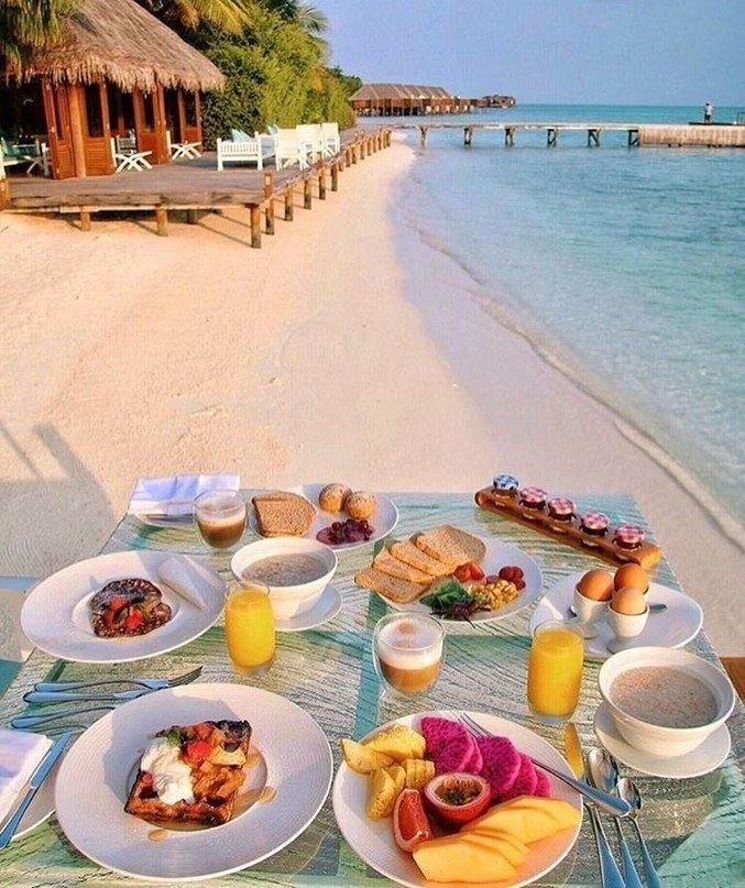 Красивый завтрак у моря картинки блюдо старинной