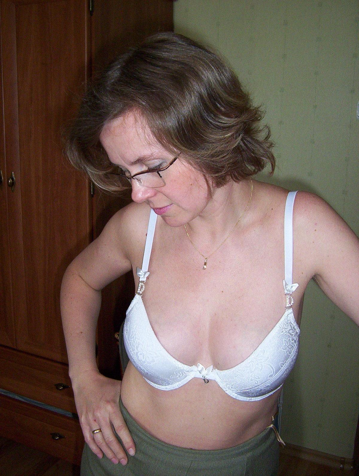 фото жена без комплексов и нижнего белья при гостях