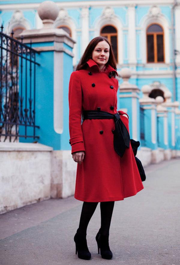 Картинки девушек в красном пальто, днем рождения